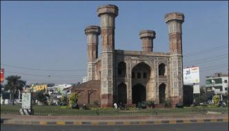 Lahore Department Of Archaeology Eye Open Chauburji Rescue Work Starts