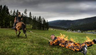 New Guinness World Recordsaustrian Man To Fire The Rope Record Holding Drag