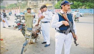 Karachi Traffic Police Campaign Start