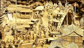 Chinese Artist Made World Record For Carving 40 Foot Tree