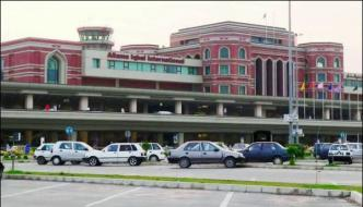 Lahore Two Women Scuffle On Flight