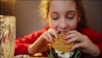 New Zealands Lean Girl Ate 10 Burgers