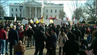 100 Days Of Trumps Presidency Completed Protest Outside White House