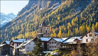 Swiss Village Bans Tourist From Taking Photos Because Its Too Beautiful