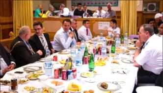 Non Muslim Iftar Party In Uk