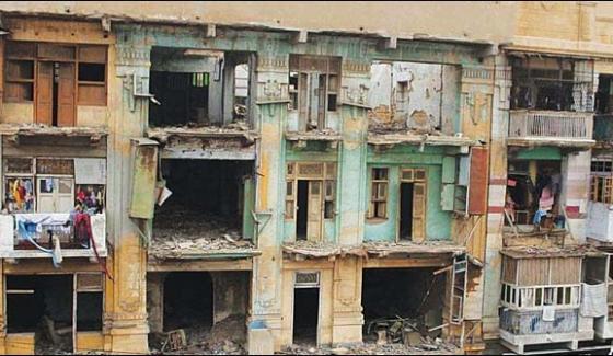 Karachi Buildings Becomes Dangerous