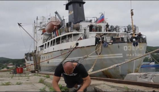 World Record Of Dragging 4200 Tons Of Ships Of Russian Bodybuilder