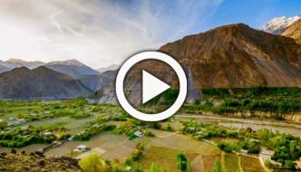 Snowy Mountains And Graveling Vegetables In Pakistan