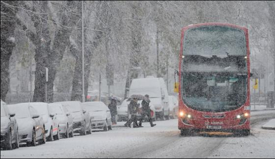 Britain Heavy Snowfall And Cold Wave Serveral Flights Cancelled