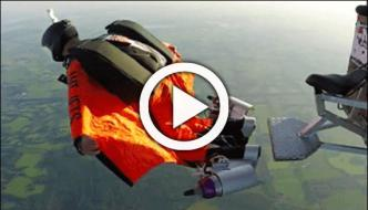 Daredevil Puts Jet Engines On His Wngsuit