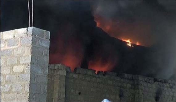 Karachi Warehouse Fire Exinguished After 8 Hours