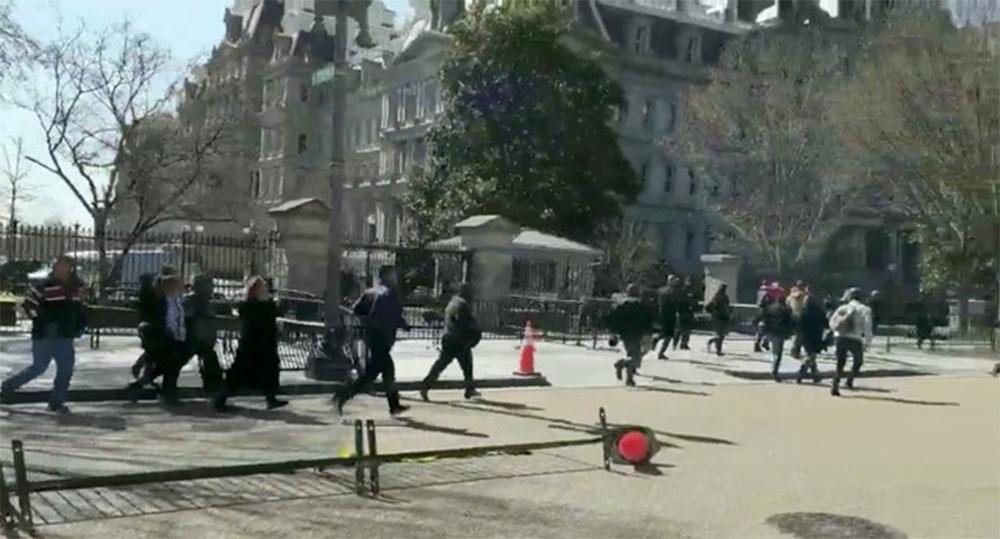 وائٹ ہاؤس کے قریب ایک شخص نےخودکو گولی مارلی
