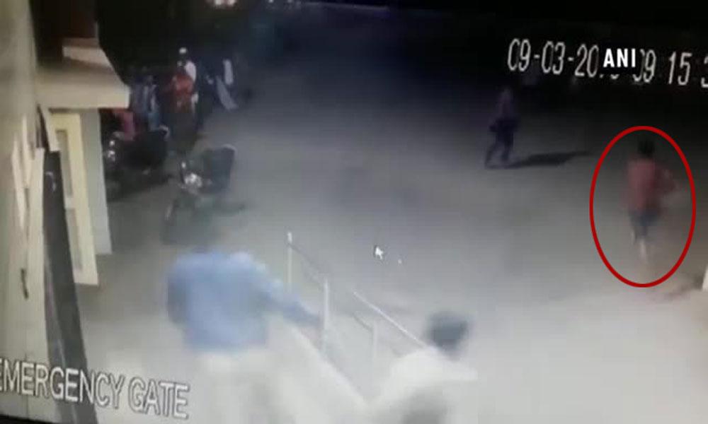 بھارت: کرناٹکا پولیس کی حراست سے دوملزم فرار