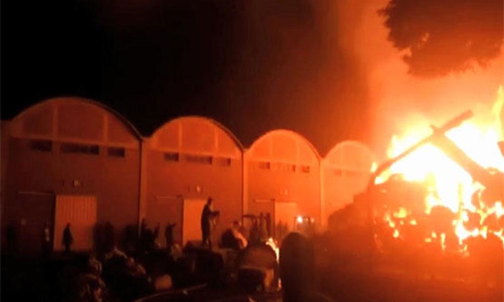 ملتان: کاٹن فیکٹری میں لگی آگ پر قابو پا لیا گیا