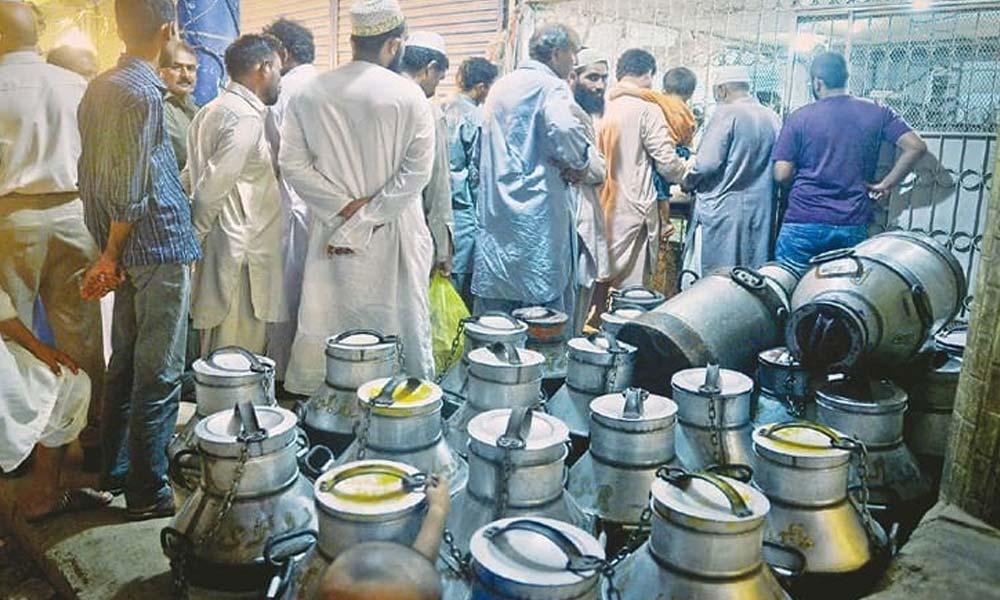 کراچی میں دودھ فروشوں کی ہڑتال، دکانیں بند