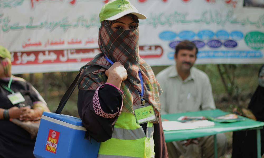 حیدرآباد میں محکمہ صحت کیلئے انسداد پولیو مہم درد سر بن گئی