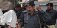 کراچی، ملزمان پر الزام زیادتی کا، مقدمہ اسلحے کا درج