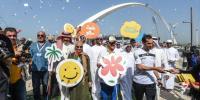 خوشی کے عالمی دن کے موقعے پر دبئی میں رنگا رنگ پریڈ کا انعقاد