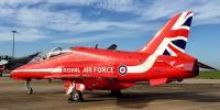 برطانوی ایکروبیٹک طیارہ گر کر تباہ، ایک پائلٹ ہلاک