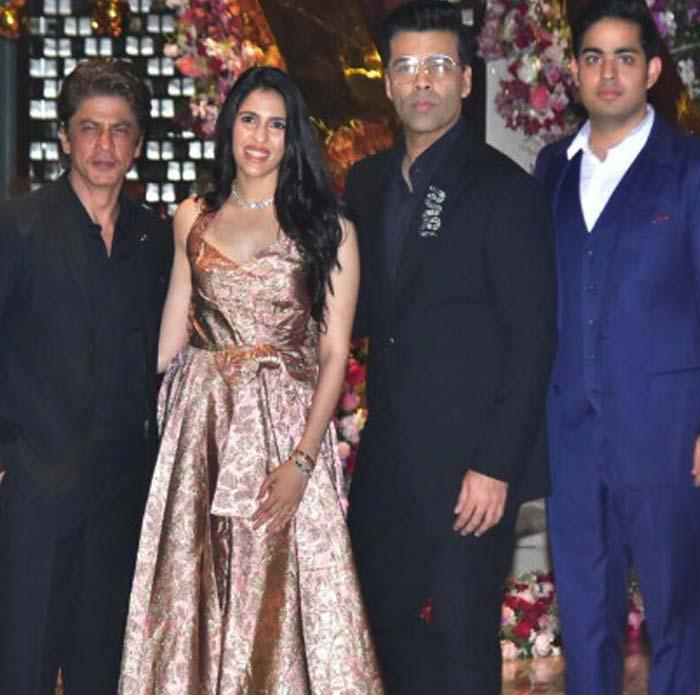 شاہرخ خان اور کرن جوہر آکاش امبانی اور شلوکامہتا کےساتھ