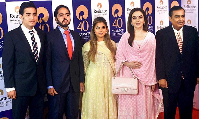 بھارت کے امیر ترین شخص امبانی کی بہو کون؟