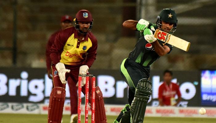 پاکستان نے 3 اوورز میں 29 رنز بنالئے