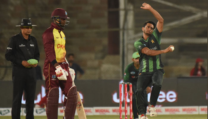 پہلا ٹی 20: پاکستان نے کالی آندھی کو 143رنز سے مات دیدی
