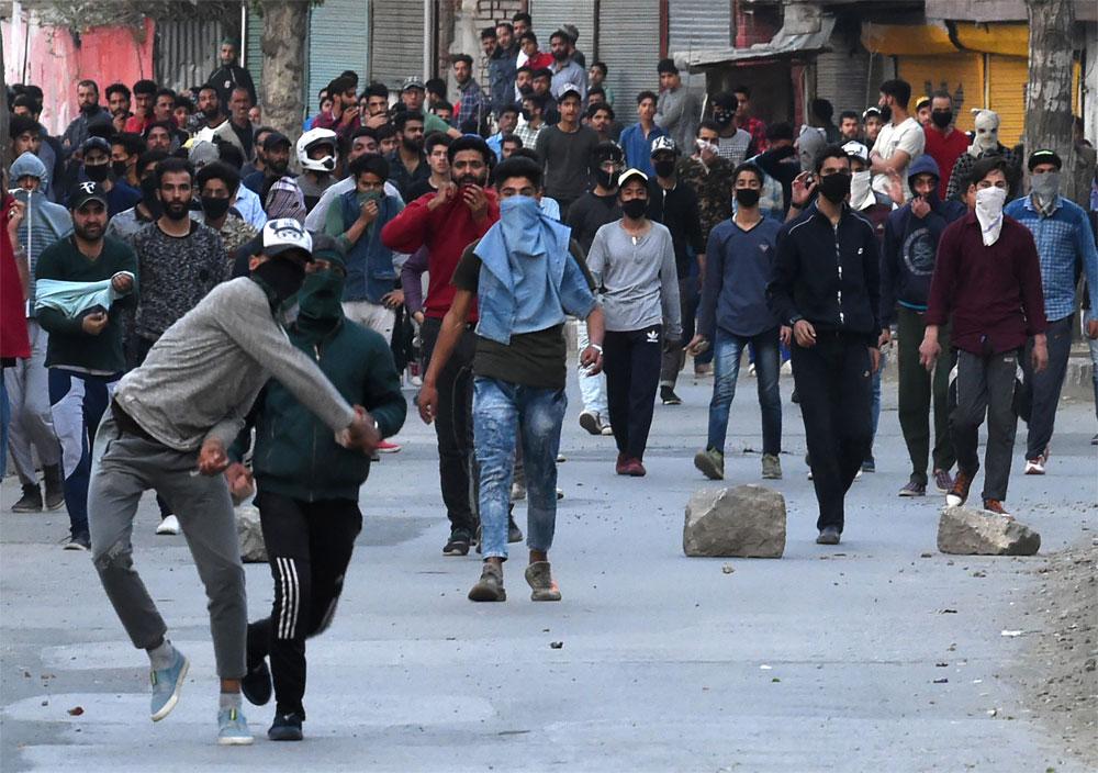 بھارتی جارحیت کیخلاف مقبوضہ کشمیر میں آج بھی مکمل ہڑتال