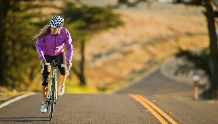 ''سائیکلنگ'' خواتین کے لئے ایک صحت مند ایکٹویٹی