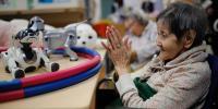 بچے نہیں اب بوڑھے کھلونوں سے کھیلیں گے