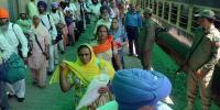 سکھ یاتریوں کو لے کر پہلی ٹرین لاہور سے بھارت روانہ