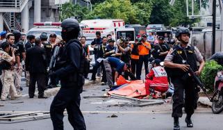 انڈونیشیا میں پولیس ہیڈ کوارٹرز پر خودکش حملہ، ایک اہلکار ہلاک