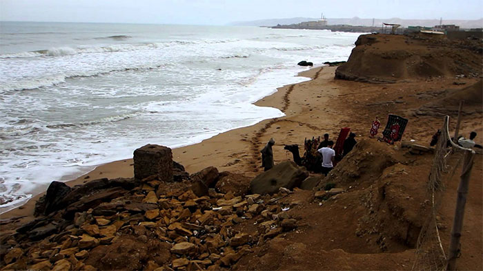 کراچی کے ساحل پر پکنک منانے والے جلدی بیماریوں کا شکار