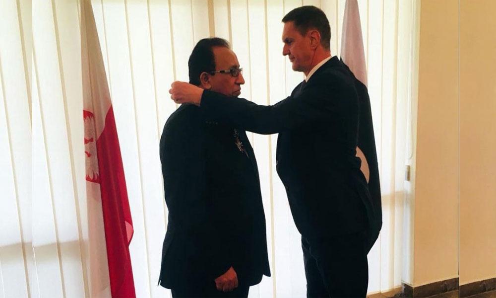 پاکستانی سفارتکار ڈاکٹر خالد میمن کو اعلیٰ پولش اعزاز سے نوازا گیا