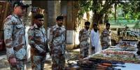 کراچی : گولیمار میں رینجرز کا چھاپہ، بھاری مقدار میں اسلحہ برآمد