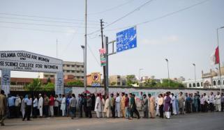 پاکستان میں رجسٹرڈ ووٹرز کی تعداد ساڑھے 10 کروڑ سے تجاوز