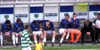 ڈبلن ، میچ کے دوران کھلاڑی کے منہ پر فٹبال آلگی