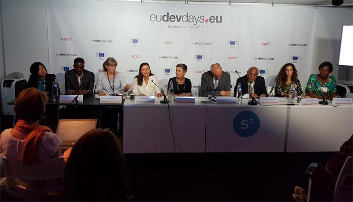 غربت کے خاتمے اور خواتین کی اقتصادی ترقی کےپروگرام