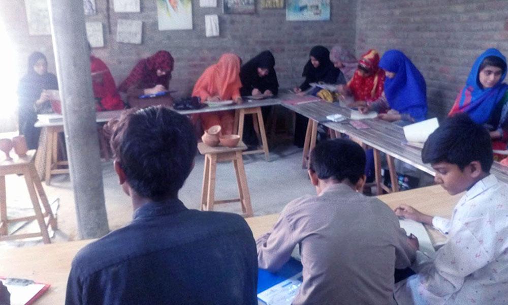 نصر اللہ بلوچ جو فنکاروں میں ہنر بانٹنے کا فن جانتا ہے