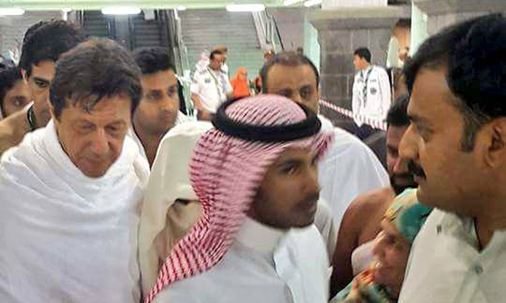 عمران خان اور ان کی اہلیہ کی عمرے کی ادائیگی