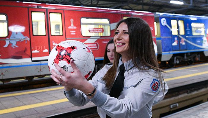 روسی حکام کی ٹرینوں کے عملے کو مسکرانے کی خصوصی تربیت