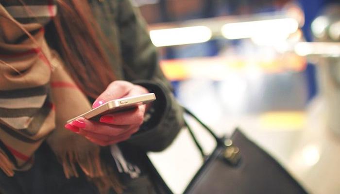 موبائل فون بیلنس لوڈ کرانے میں ٹیکس نہ کٹنے پر صارفین خوش