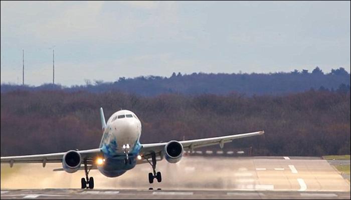 برطانیہ میں طوفانی ہواؤں نے جہازوں کی لینڈنگ مشکل بنادی