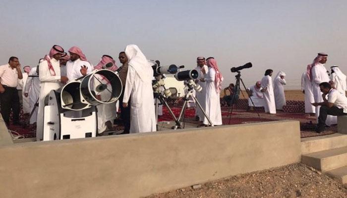 سعودی عرب میں چاند نظر آگیا