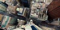 نوجوان بغیر حفاظتی اقدامات کے 57منزلہ بلند عمارت پر چڑھ گیا