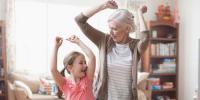 چورانوے سالہ دادی امّاں کا پوتی کے ہمراہ شاندار رقص