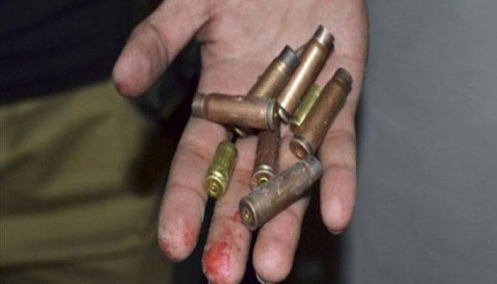 کراچی، گاڑی پر فائرنگ سے ایک شخص جاں بحق، ایک زخمی