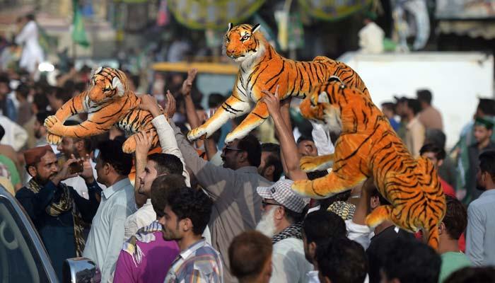 لاہور:ن لیگی ریلیاں ایئر پورٹ کی جانب گامزن