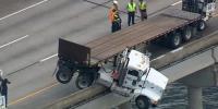 فلوریڈا میں تیز رفتار ٹرک بے قابو ہو گیا
