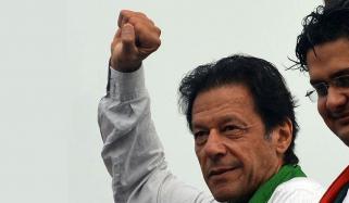 عمران خان نے سابق وزیر اعظم کو ہرا دیا
